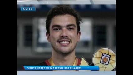 Turista morre em acidente na AL-104, em São Miguel dos Milagres
