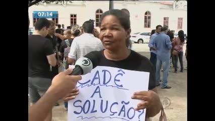 Moradores se reúnem com órgãos para buscar respostas sobre as rachaduras no Pinheiro