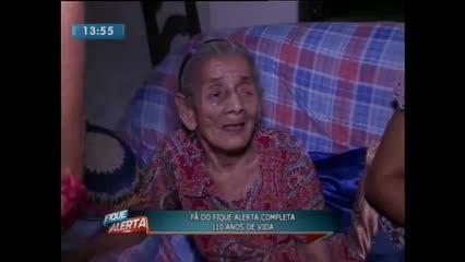 Fã do Fique Alerta completa 110 anos de vida