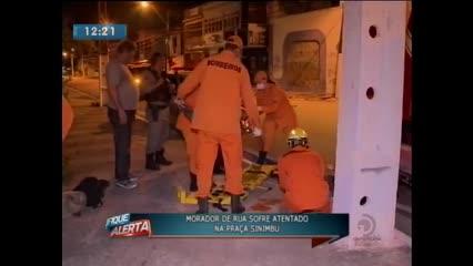 Morador de rua sofreu atentado na Praça Sinimbu