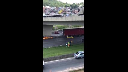 Vídeo mostra helicóptero em chamas após acidente que matou Ricardo Boechat