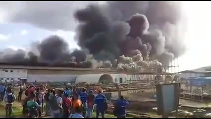 Incêndio atinge galpão em Belo Monte