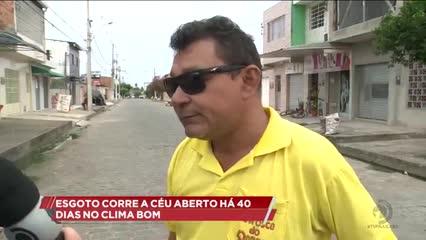Esgoto corre a céu aberto há 40 dias no Clima Bom