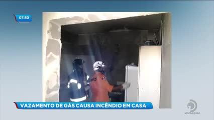 Vazamento de gás provocou incêndio em residência na cidade de Delmiro Gouveia