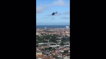 Helicóptero faz resgates durante simulação de evacuação do Pinheitro