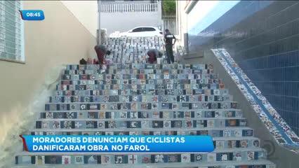 Moradores denunciam que ciclistas danificaram obra inacabada no Farol