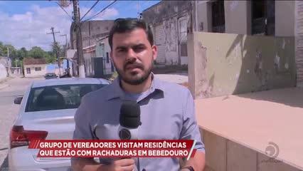 Grupo de vereadores visitaram residências que estão com rachaduras em Bebedouro