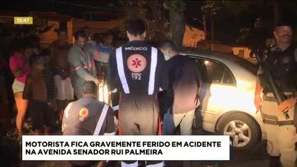 Motorista ficou gravemente ferido em acidente na Av. Senador Rui Palmeira