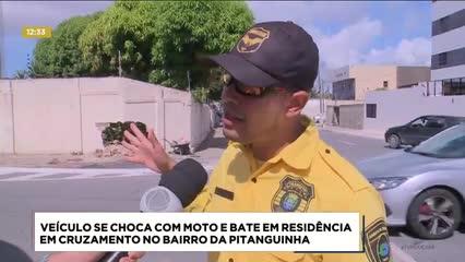 Veículo se chocou com moto e bateu em residência no bairro da Pitanguinha