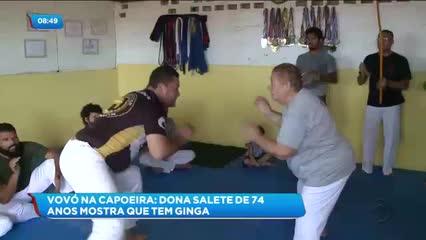 Confira a história de uma vovó de 74 anos que descobriu uma paixão pela capoeira