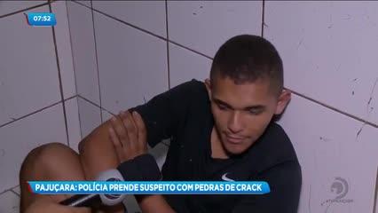 Jovem foi preso suspeito de tráfico de drogas na Pajuçara