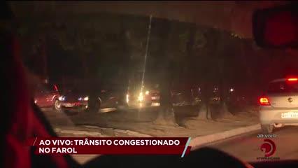 Apagão deixa trânsito lento no bairro do Farol