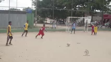 Torneio de futebol infantil no Eustáquio Gomes