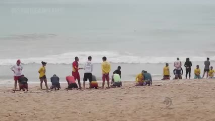 Corpo de Bombeiros faz a sétima edição do projeto Surf Salva