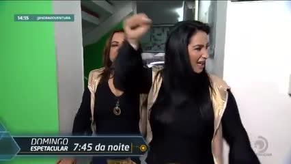 Flávia Alessandra mostra novo visual! - Bloco 01