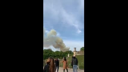 Incêndio em Catedral Notre-Dame assusta turistas em Paris