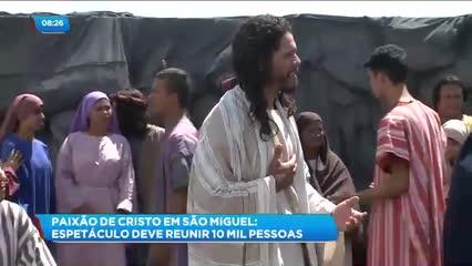 Preparativos para a encenação da ''Paixão de Cristo'', na cidade de São Miguel dos Campos