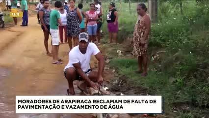 Moradores de Arapiraca reclamam de falta de pavimentação e vazamento de água