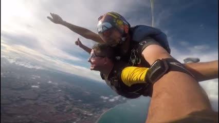 Gernand Lopes encara desafio do paraquedas