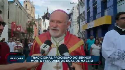 Tradicional procissão do Senhor Morto percorre as ruas de Maceió