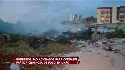 Bombeiros são acionados para combater pratica criminosa de fogo em lixão