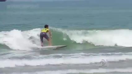 Jovens do nordeste participam de grande circuito de surf em Maceió