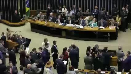 Atos em Brasília contra o bloqueio de recursos para educação