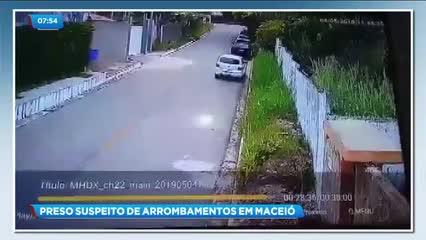 Suspeito de arrombar veículos foi preso ontem no Barro Duro