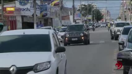 Semáforo na Avenida Jatiúca permanece 'parado' no verde