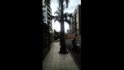 Bombeiros são acionados para incêndio em poste na Ponta Verde