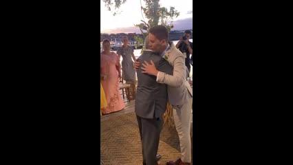 Casamento: Carlinhos Maia recebe Lucas Guimarães no altar