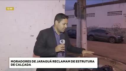 Moradores de Jaraguá reclamam de estrutura de calçada