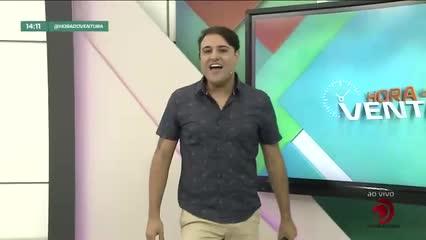Troca de acusações entre Carlinhos Maia e Whindersson Nunes causa nas redes sociais - Bloco 01