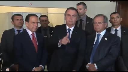 Bolsonaro encerra entrevista ao ser questionado sobre situação de Moro