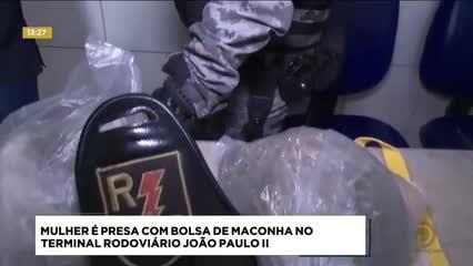 Mulher foi presa com uma grande quantidade de maconha na rodoviária de Maceió