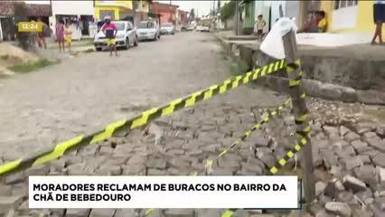 Moradores reclamam de buracos na Chão de Bebedouro