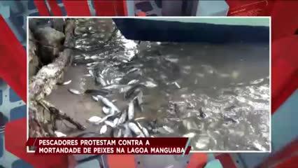 Pescadores realizaram protesto na AL-101 Sul, em Marechal Deodoro