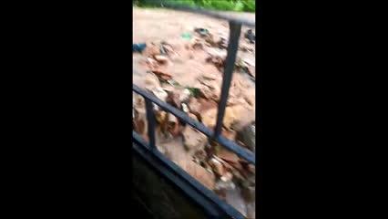 Galeria cede e água da chuva invade casas e provoca destruição no Jacintinho